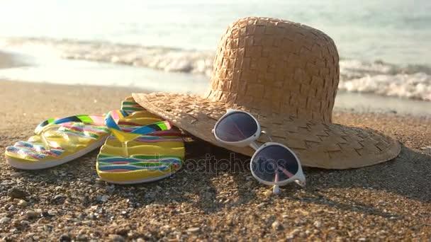 Kalap és a flip papucs, tengerpart