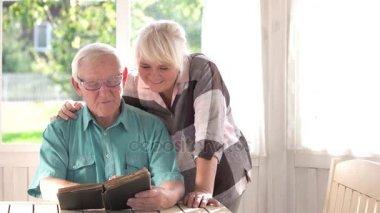 Видео старые дедушки фото 732-380