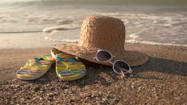 Flip papucs és a fonott kalap