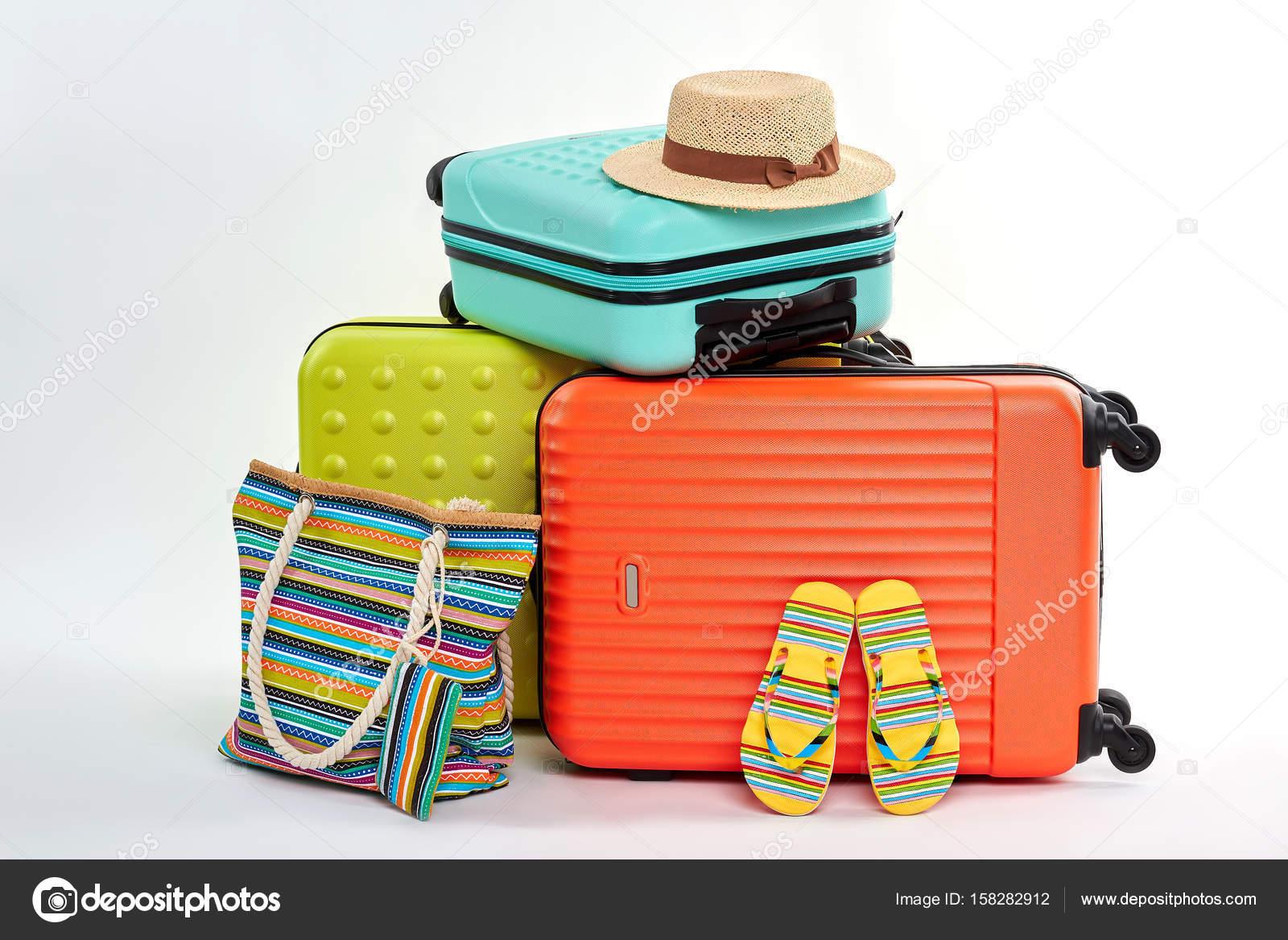 01d08dd2956e Женщины сальто и Сумки, чемоданы — Стоковое фото © Denisfilm #158282912