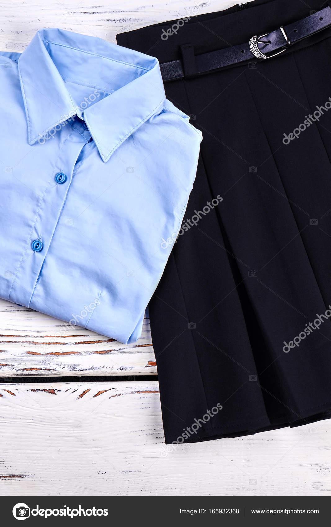 84890cfee Ropa formal para la escuela   Conjunto de ropa clásica escuela ...