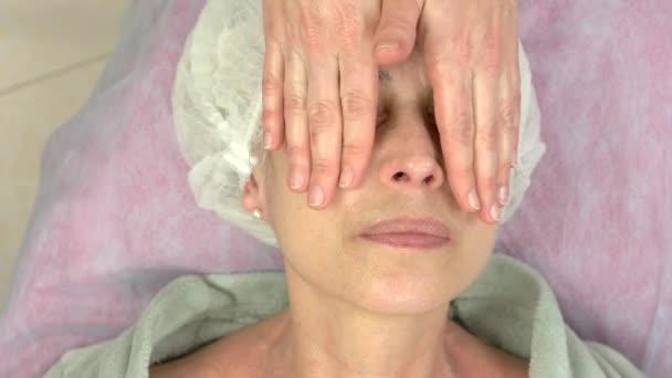 Masáž lymfatická obličeje