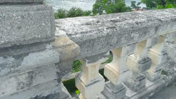 Staré kamenné balustrády