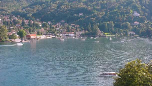 Jezero Maggiore, města Stresa