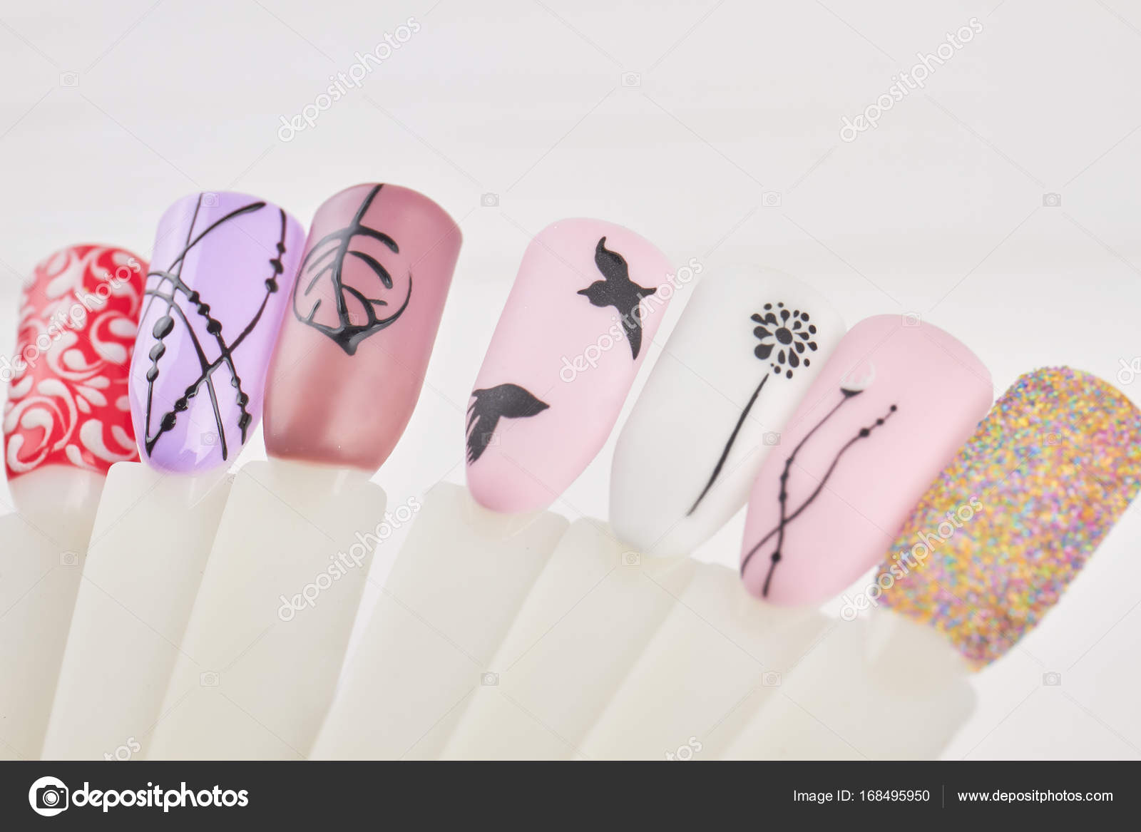 Nagel Kunst Modedesign für Beauty-salon — Stockfoto © Denisfilm ...