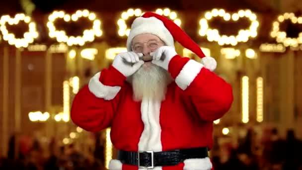 Megható a szakállát Santa.