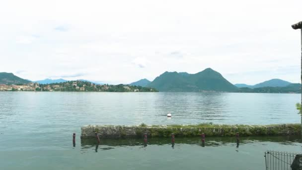 Jezero Maggiore, panoramatický pohled