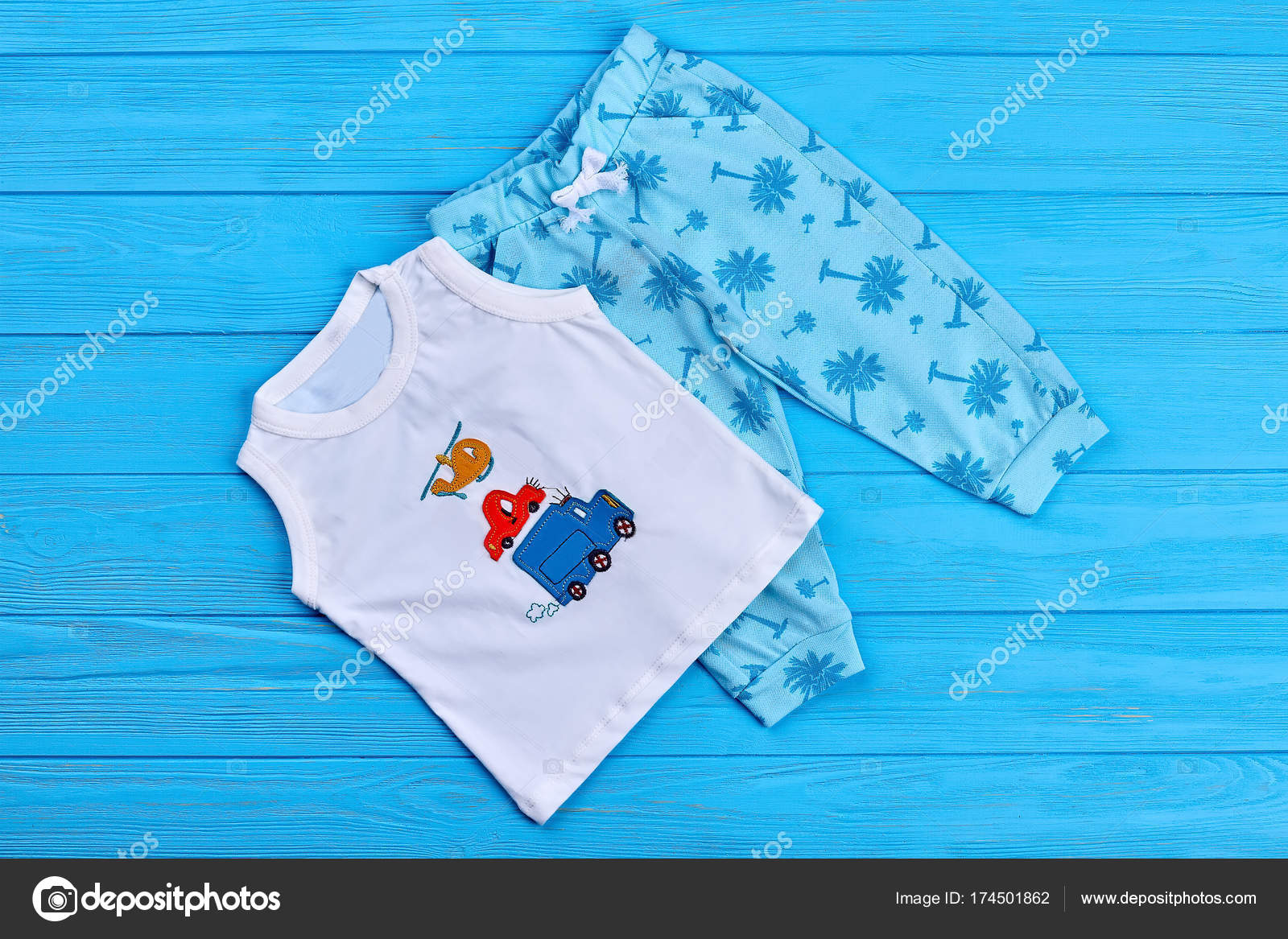 7774c4d743a1 Baby summer fashion style clothes. — Stock Photo © Denisfilm  174501862