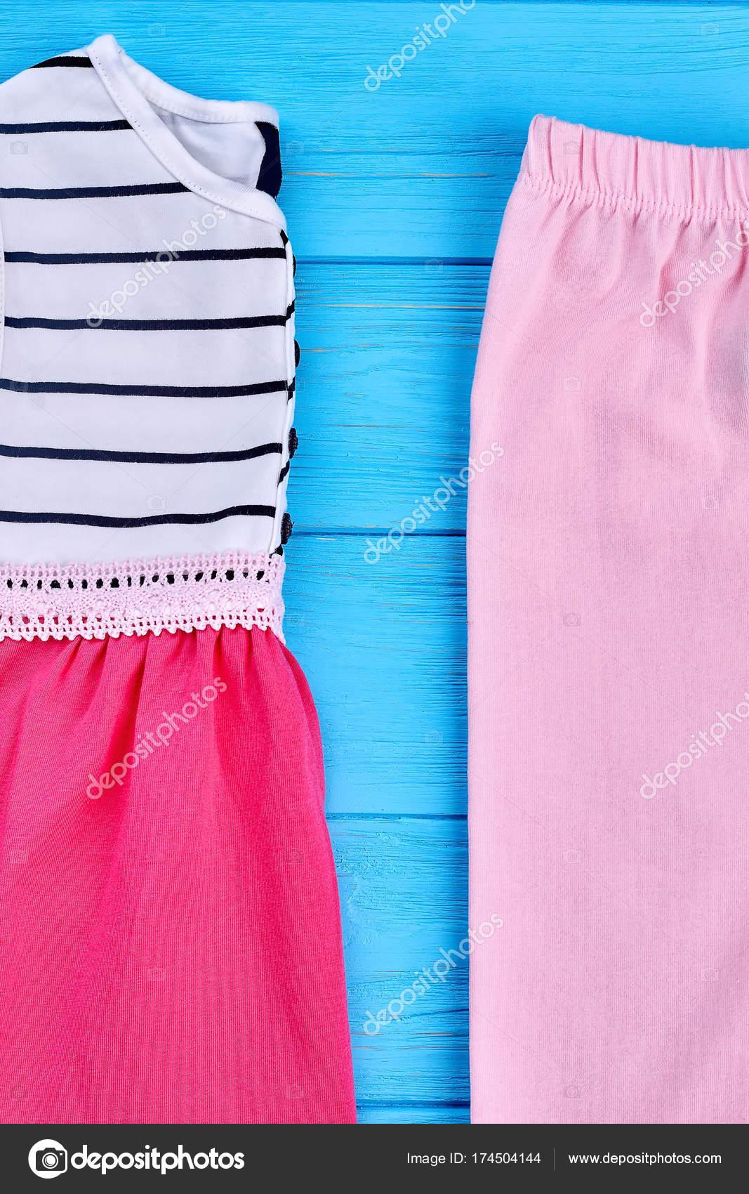 c035d248620 Υψηλής ποιότητας μάρκα παιδικά ρούχα. Παιδικά βιολογικά είδη ένδυσης για  καλοκαιρινά ενδύματα. Ένδυμα καλοκαίρι childs — Εικόνα από ...
