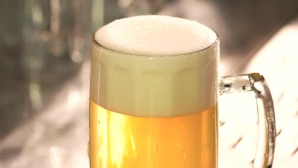 Dokonalé piva pěně.