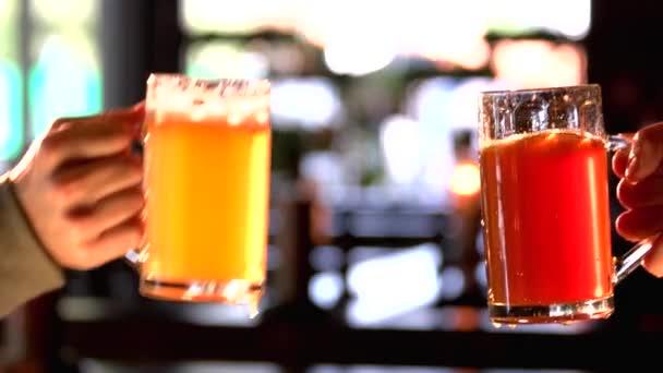 Sötét és világos sör, csengő.