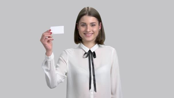 Vidám fiatal hölgy névjegykártya.