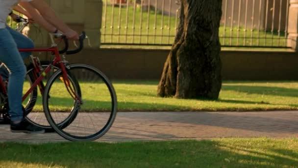 Zavřít skupina lidí, jízdu na kolech.
