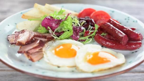 anglická snídaně zblízka
