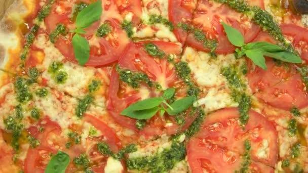 Caprese pizza Detailní záběr.