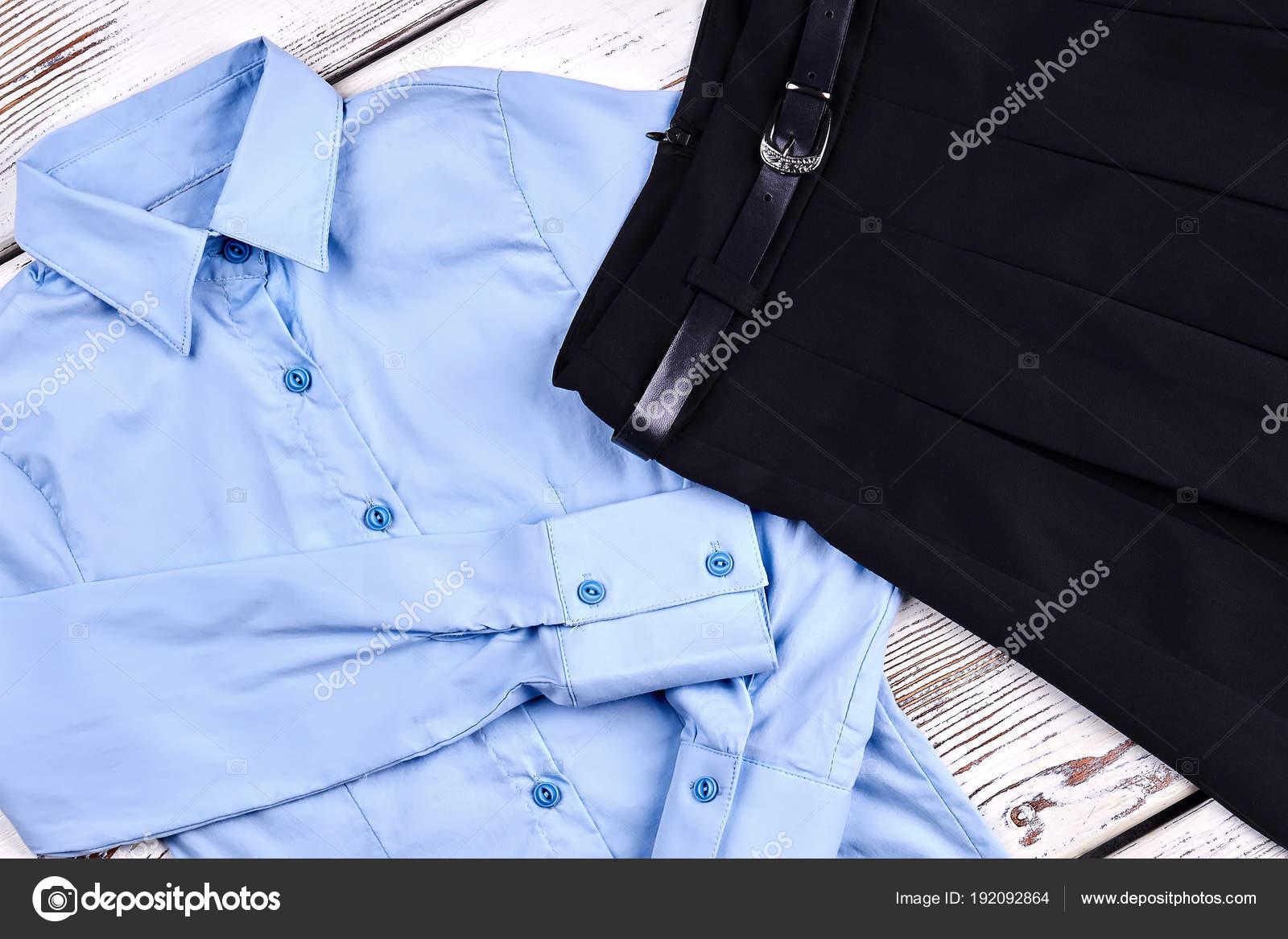 11c92c748 Blusa de escuela de niñas de alta calidad. — Fotos de Stock ...