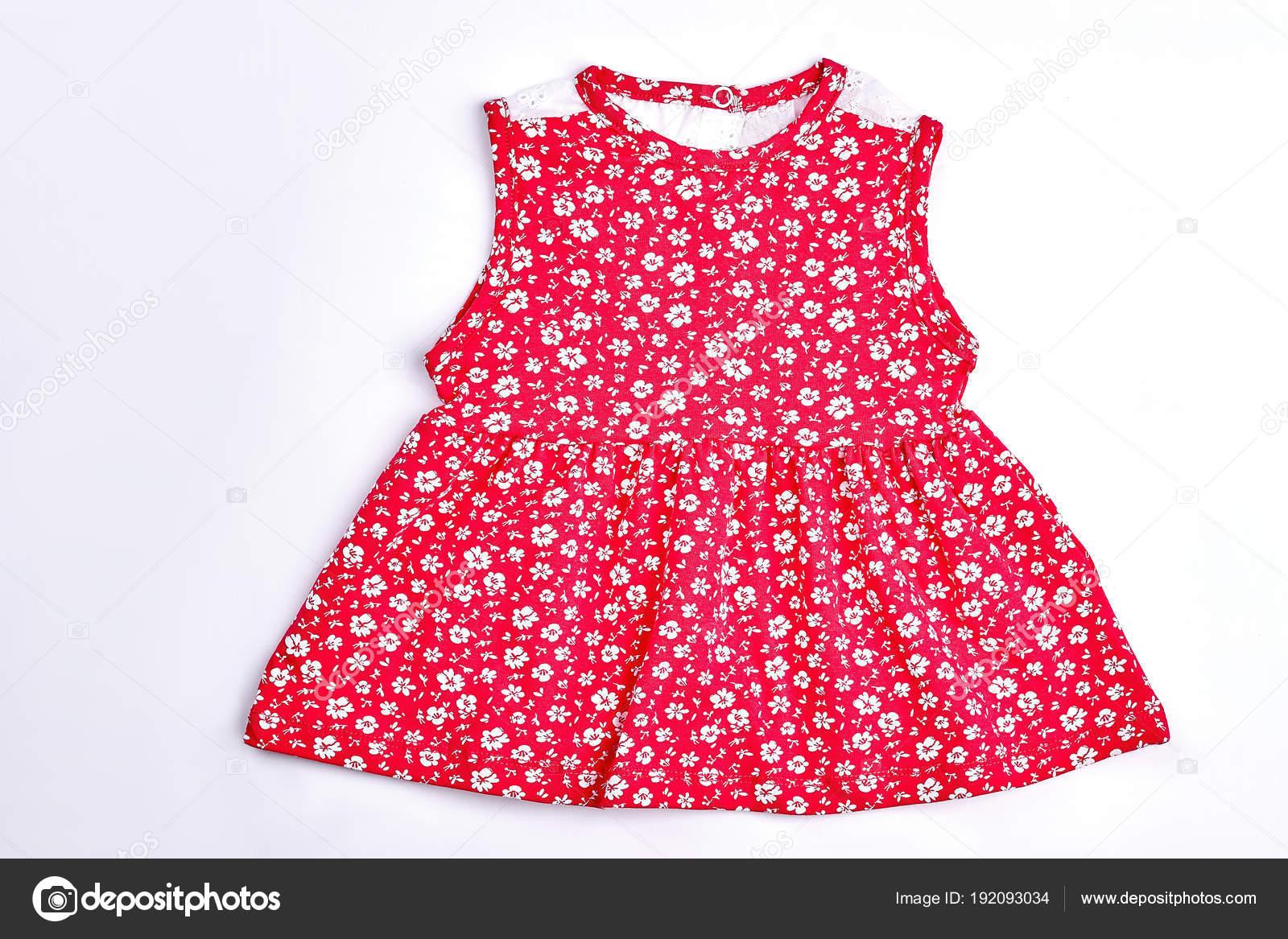 df45274e23ee Baby-flicka röd blomma Klänning — Stockfotografi © Denisfilm #192093034