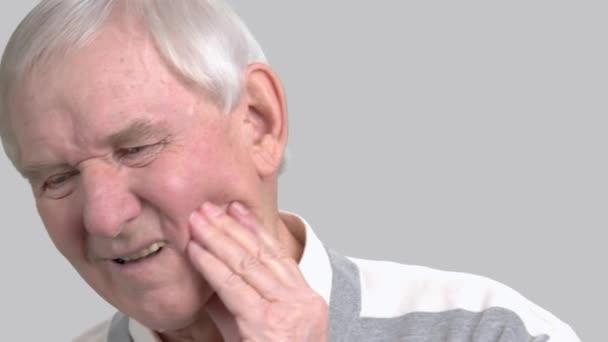 Homme Plus âgé Avec La Douleur De Dent Mal De Dents Vidéo