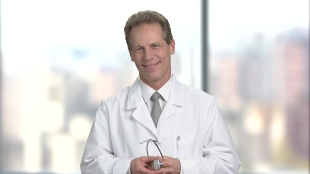 Doktor začínají používat stetoskop