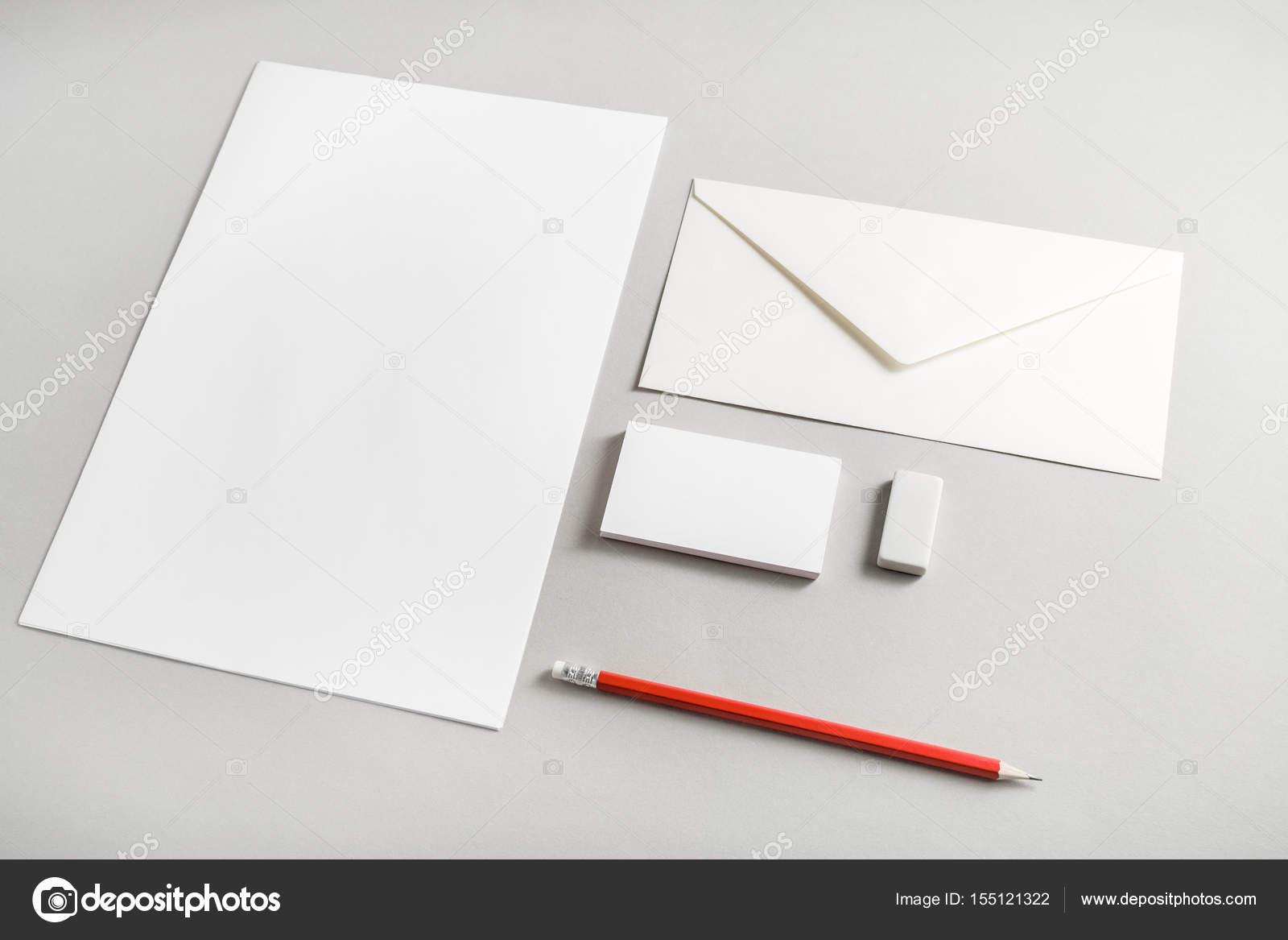 set de papelería en blanco — Foto de stock © Veresovich #155121322