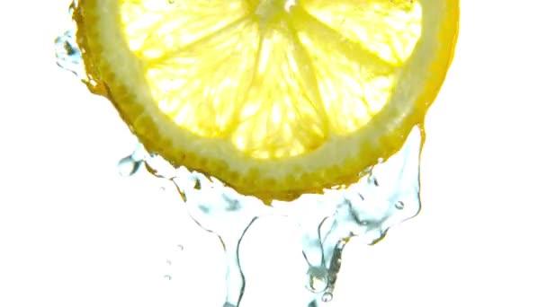 Citron se nepostříkali horkou vodou