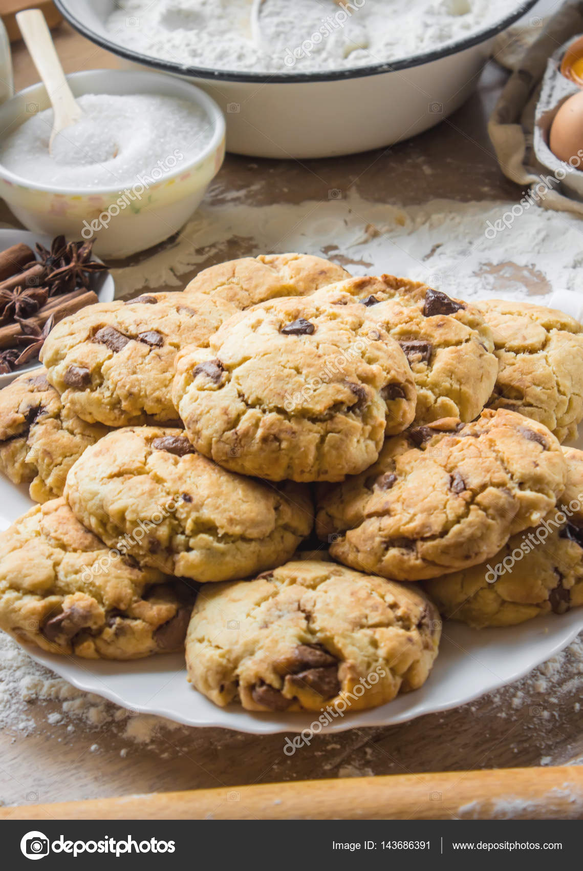Kekse, Kuchen, Kochen Sie ihren eigenen Händen. Selektiven Fokus ...