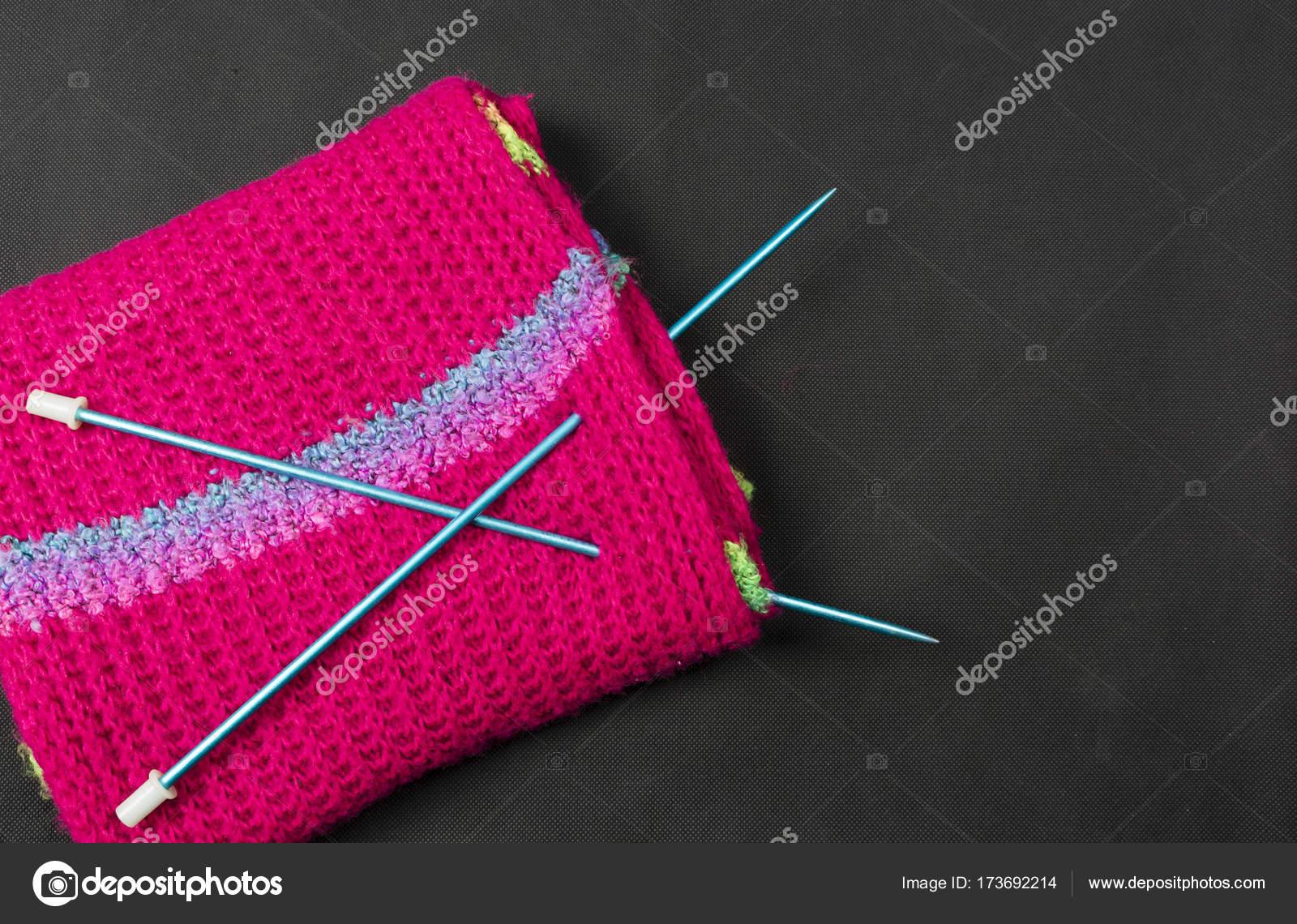 часть образца вязания спицами стоковое фото Gubernat 173692214