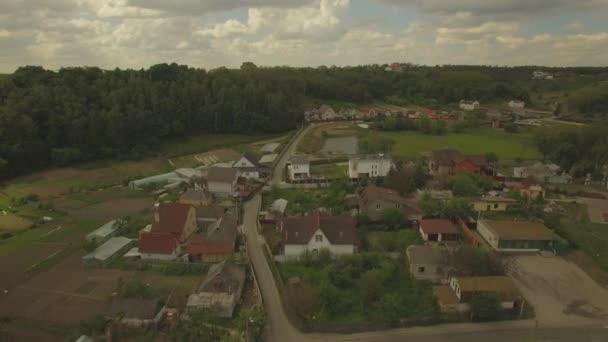 Légi. Tipikus vidék Ukrajnában. Külvárosi lakó aera. 4k