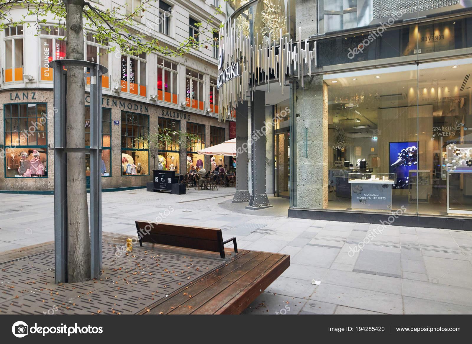 Vienne, Autriche , 15 avril 2018  la façade de la boutique de bijoux  Swarovski
