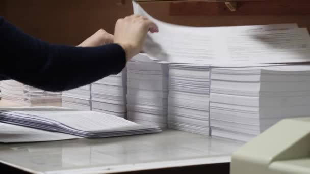 polygraphy. manual assembly of booklets and brochures 2020