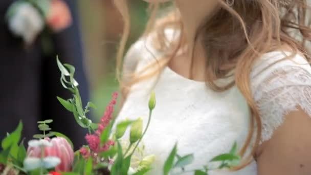 krásná nevěsta s ženichem