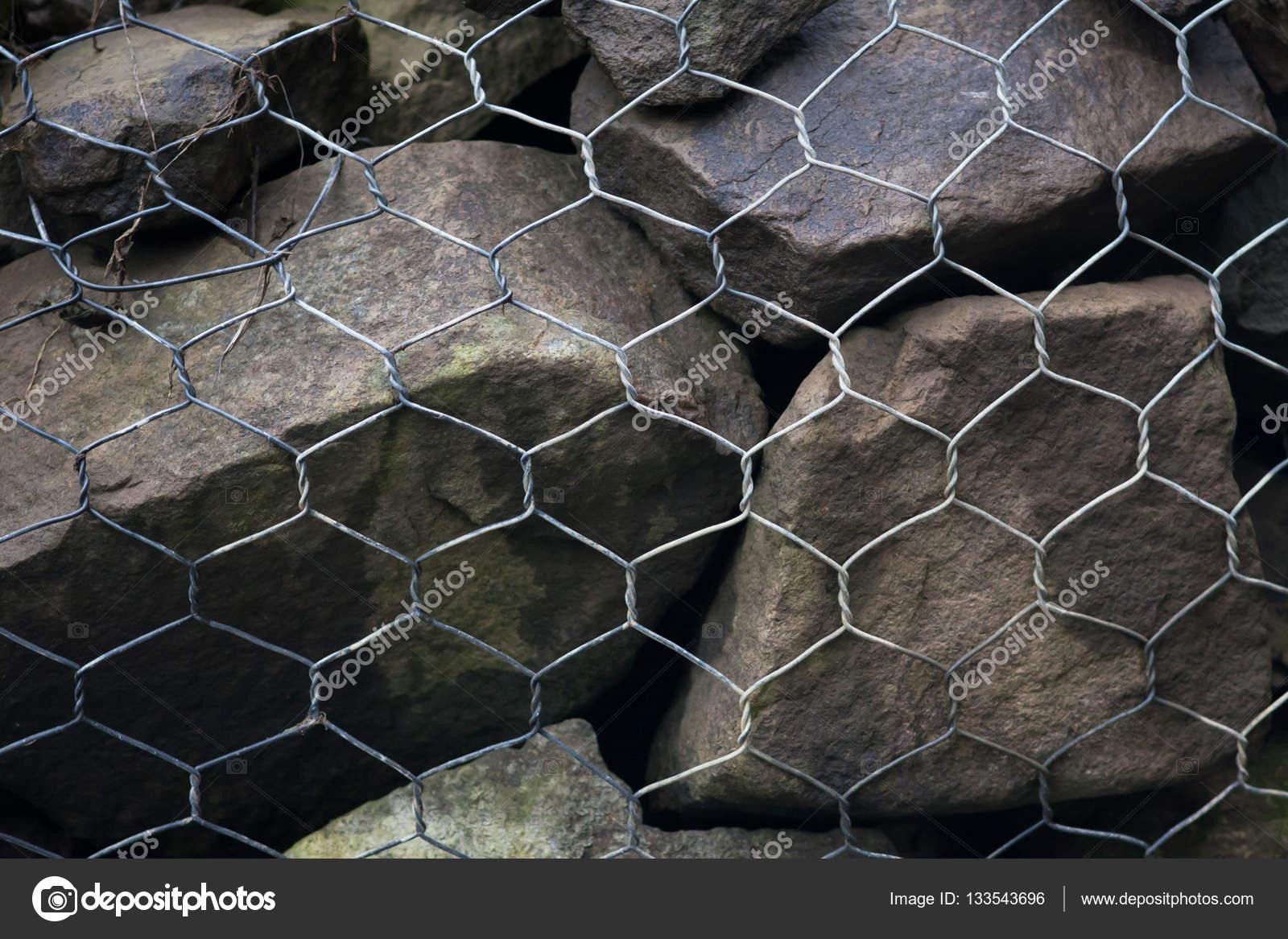 mur de gabions de treillis en acier avec pierres. Black Bedroom Furniture Sets. Home Design Ideas