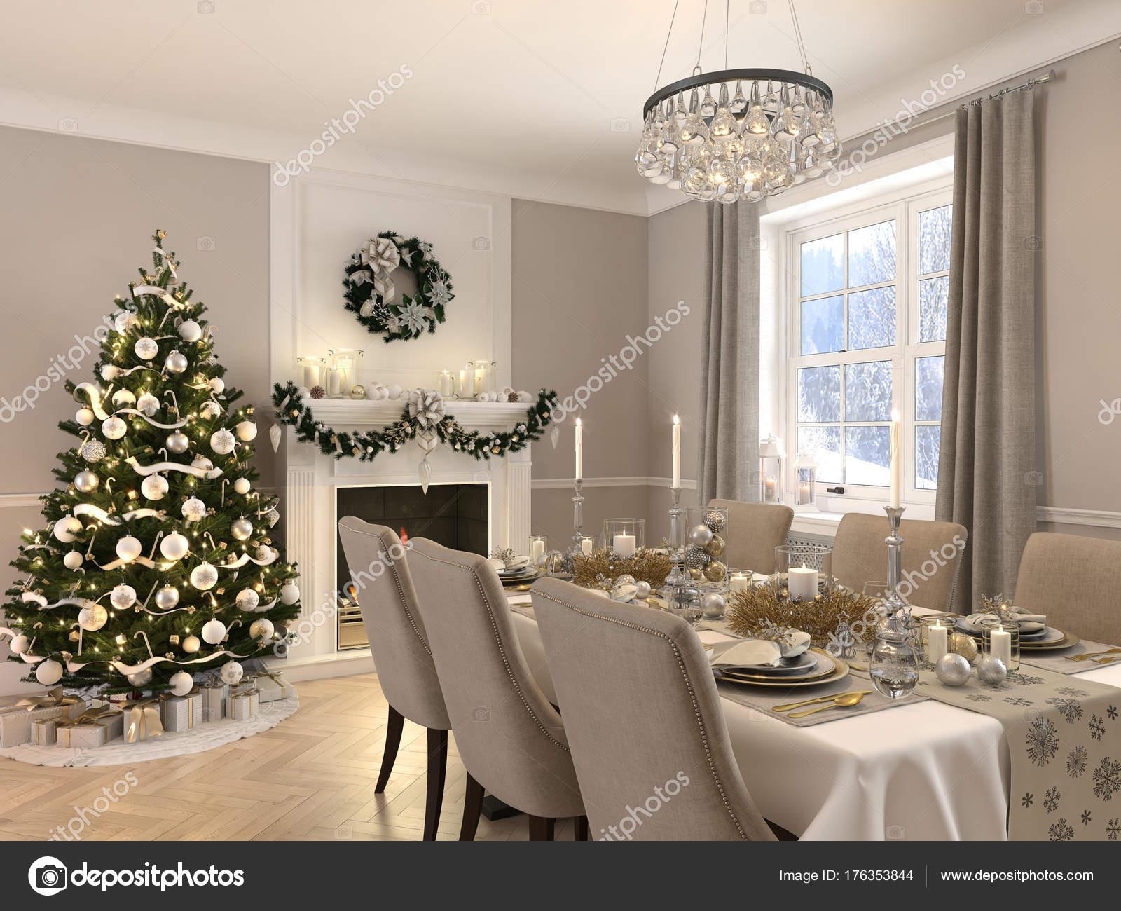 Sala da pranzo di lusso con decorazione di Natale di giorno ...