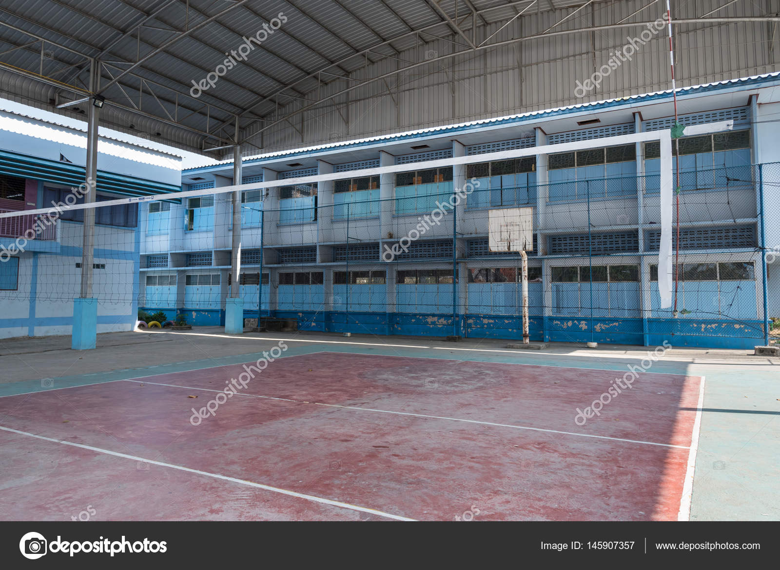 Volleyball court school gym indoor. — Stock Photo © Bubbers #145907357