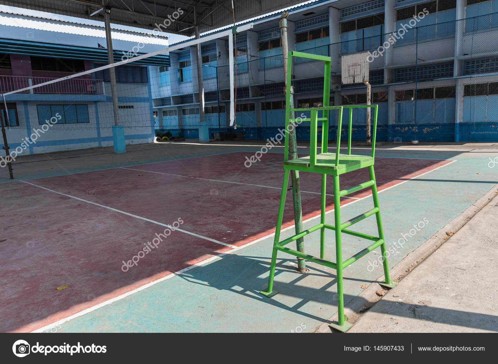 Volleyball court school gym indoor. — Stock Photo © Bubbers #145907433
