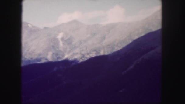pohled z okna na krajiny