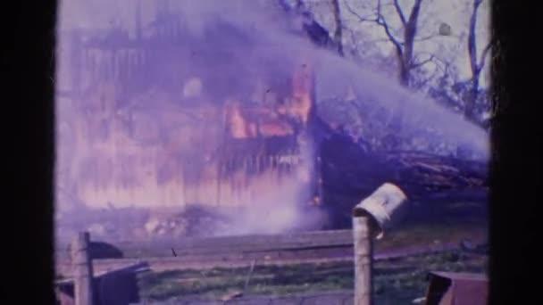 obrovský požár zcela zničit dům