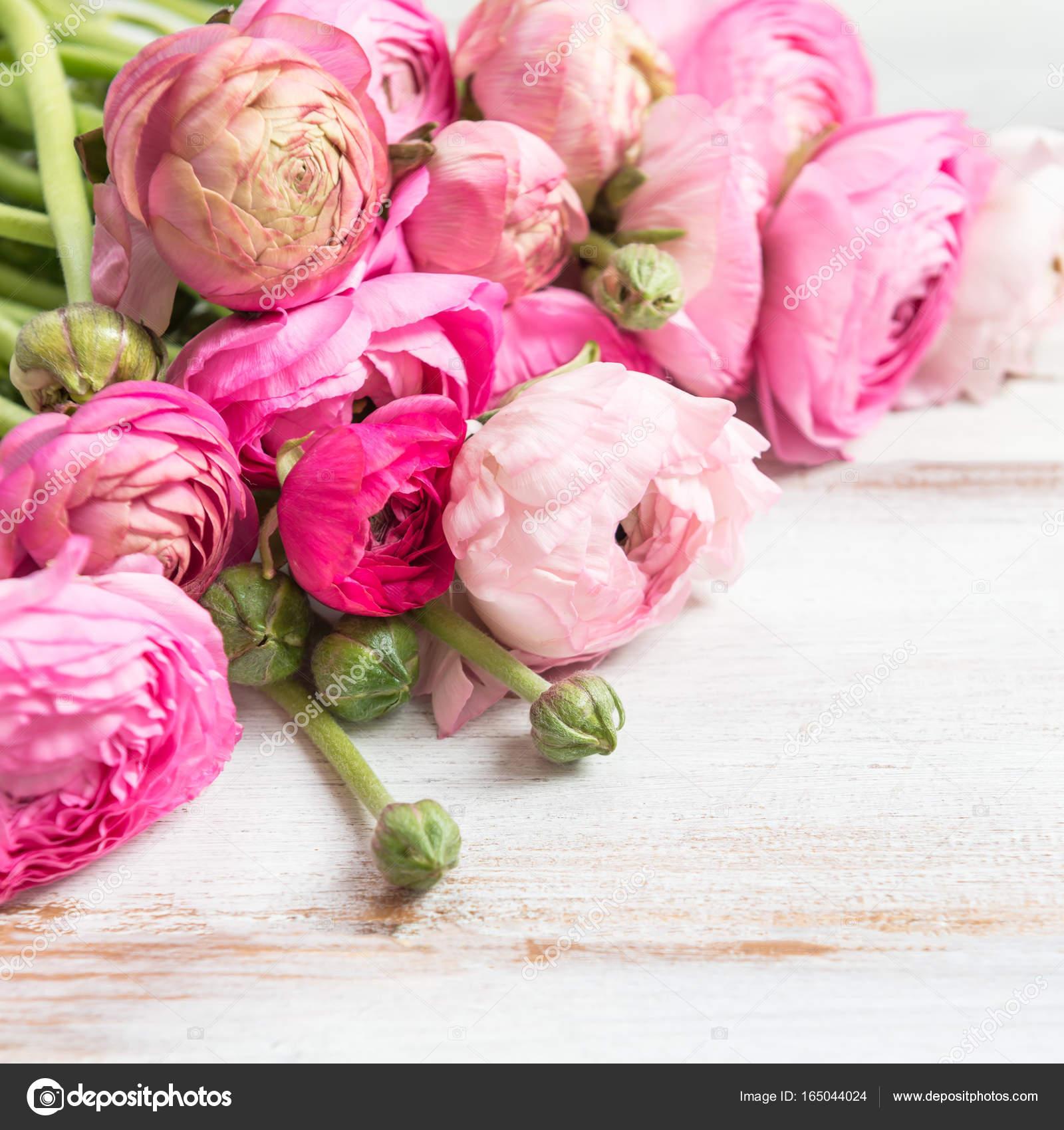 Bouquet de renoncules roses fleurs de renoncule for Photo bouquet de fleurs 94