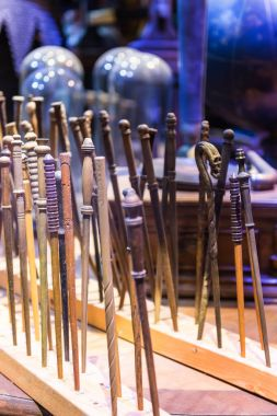 The set of magic wands used in films about Harry Potter, LEAVES