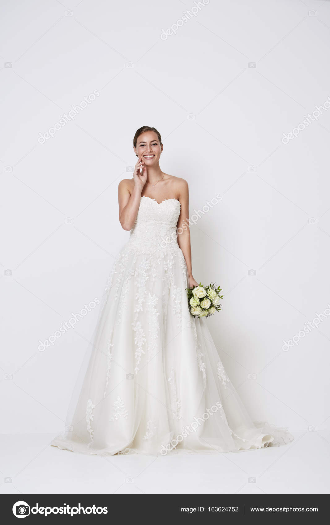 Witte Jurk Op Een Bruiloft.Bruid In Witte Bruiloft Jurk Stockfoto C Sanneberg 163624752