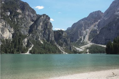 101_Braies Lake, the set of