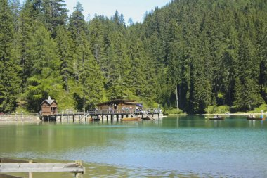 112_Braies Lake, the set of