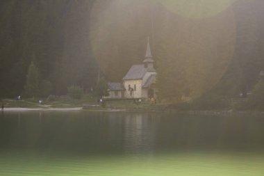 122_Braies Lake, the set of