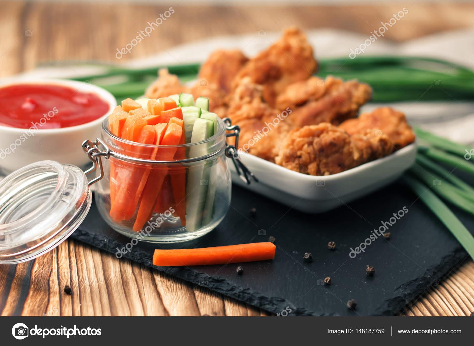 Tatlı Chilli Soslu Tavuk Kanadı