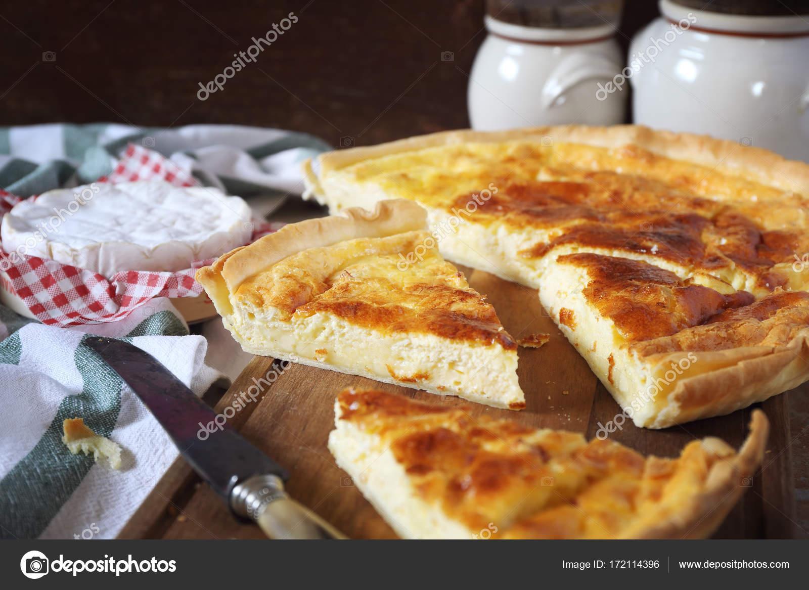 Dania Kuchni Francuskiej Tarta Ser Norman Camembert Zdjecie