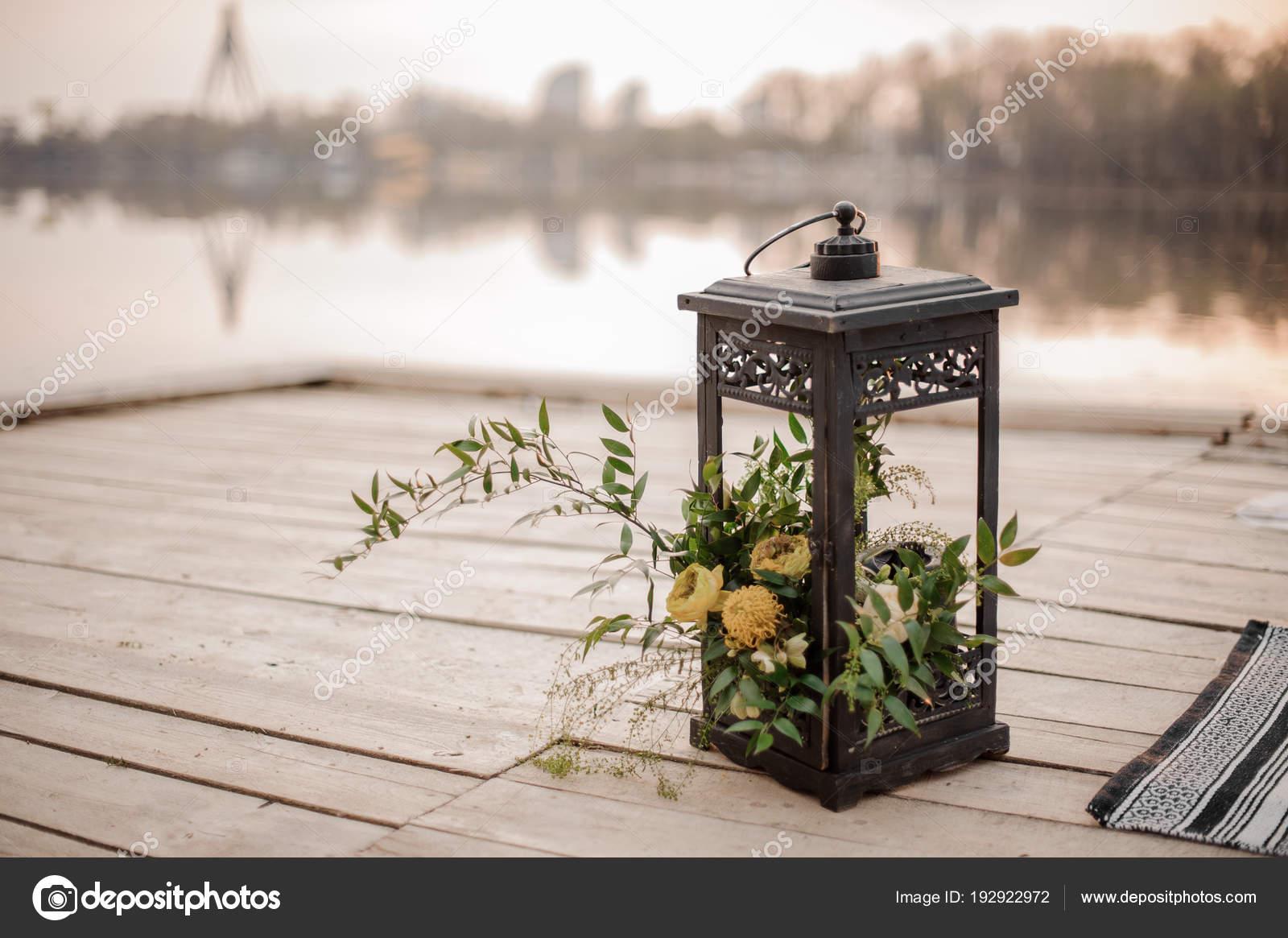 Stilvolle Eisen Laterne Als Eine Hochzeit Dekoration Am Ufer Flusses