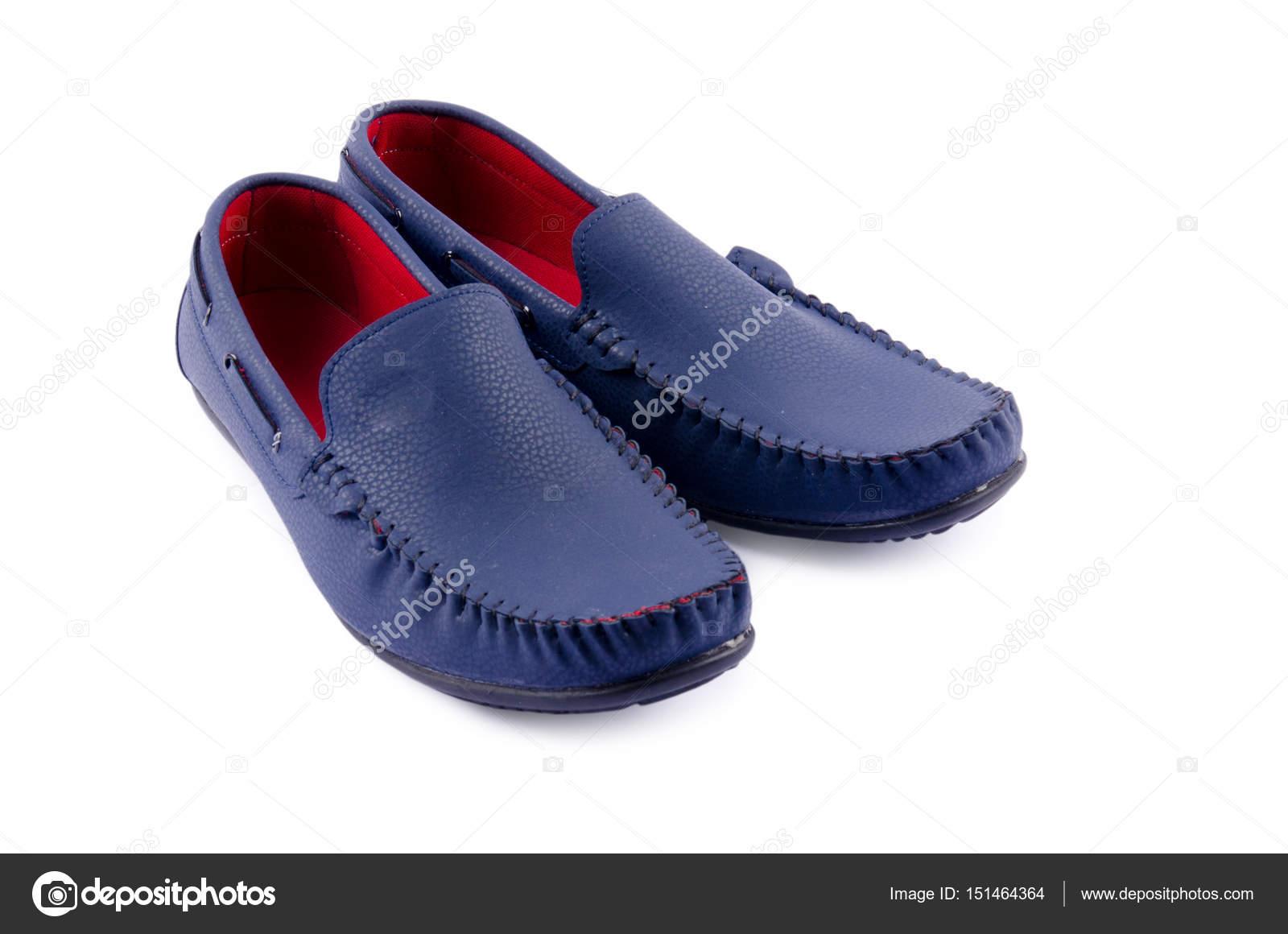 Blaue Leder-Schuhe für Menschen, die isoliert auf weiss — Stockfoto ... 7486f5febe