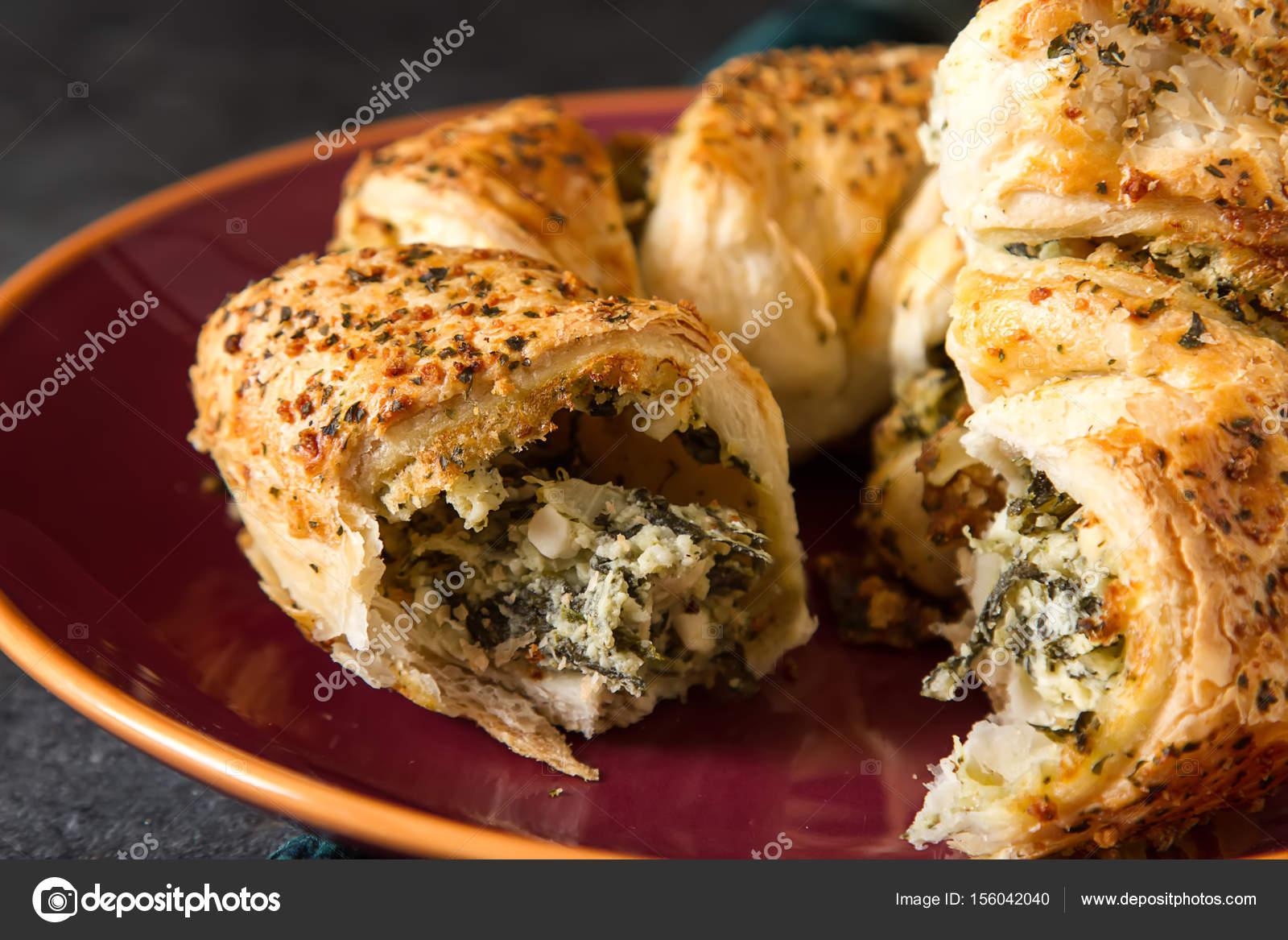 Einfach Dunkle Kuche ~ Griechischer kuchen spanakopita mit spinat käse. einfach dunkle