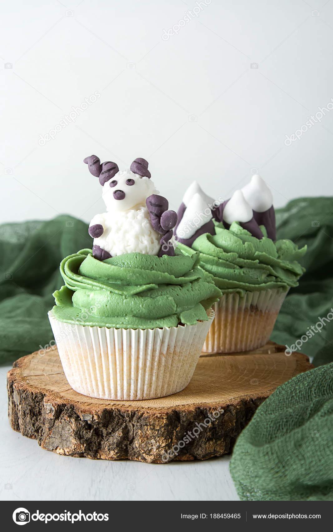 Capcake Mit Tieren Aus Mastix Und Marzipan Ram Berge Wein ...