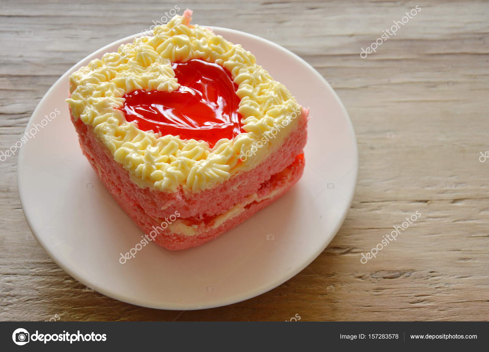 Erdbeer Butterkuchen Dekorieren Rotes Herz Fur Valentinstag